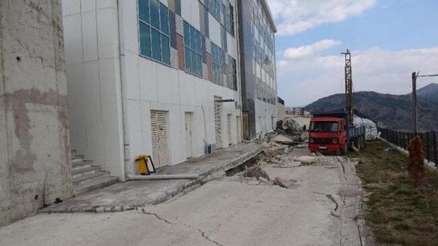 Yeni yapılan ve çöken Eskipazar Hastanesi boşaltılıyor
