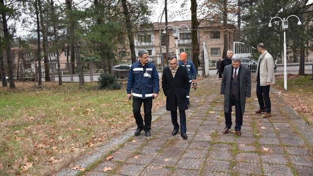 Vali Çeber, Kardemir'in atıl sosyal tesislerini inceledi
